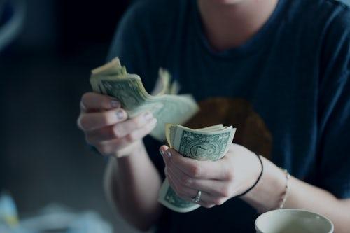 postawy wobec pieniędzy 1 Postawy wobec pieniędzy. 4 typy, które musisz znać!